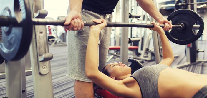 3 exercícios de hipertrofia indispensáveis na sua rotina de academia